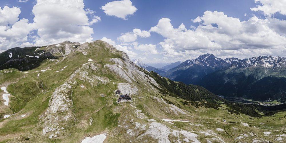Panorama mit Leutkircher Hütte